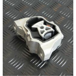 LR039527 | Tassello Elastico - Supporto Motore Inferiore